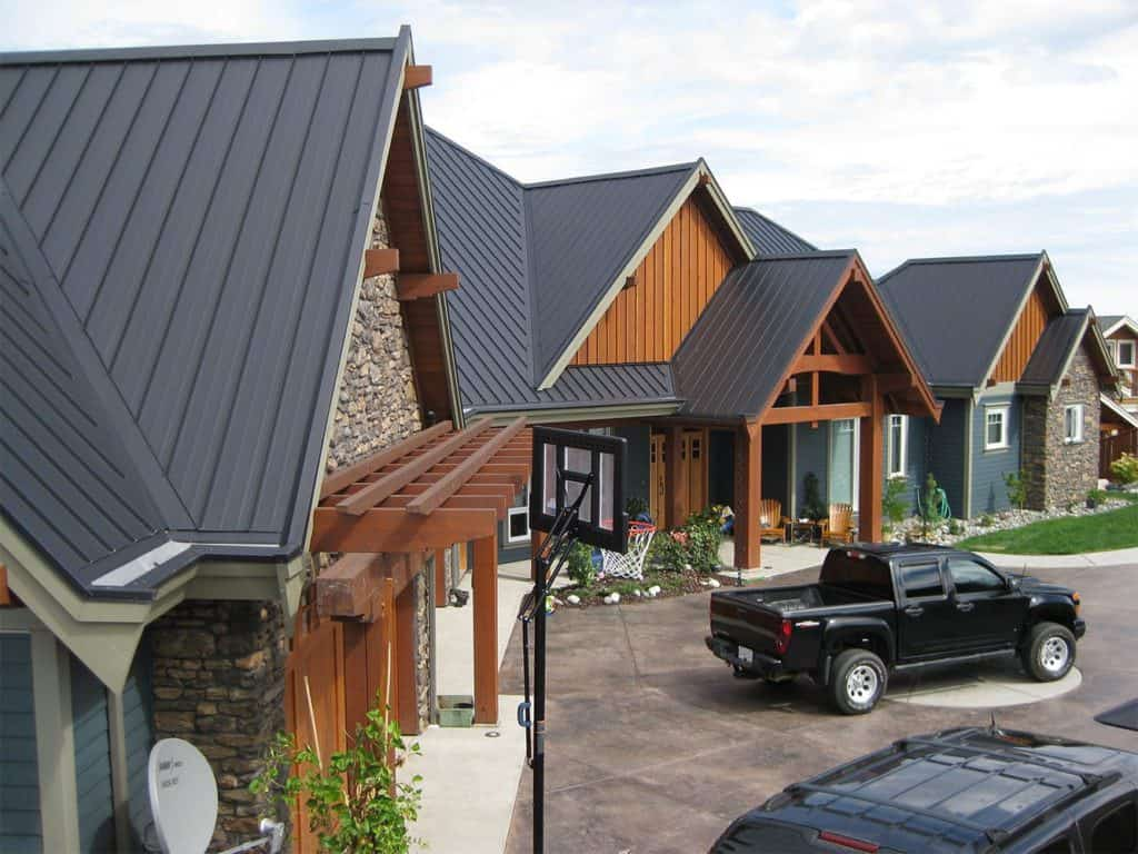 Interlock Standing Seam Roof Deep Charcoal Campbell River BC Hip Valleys