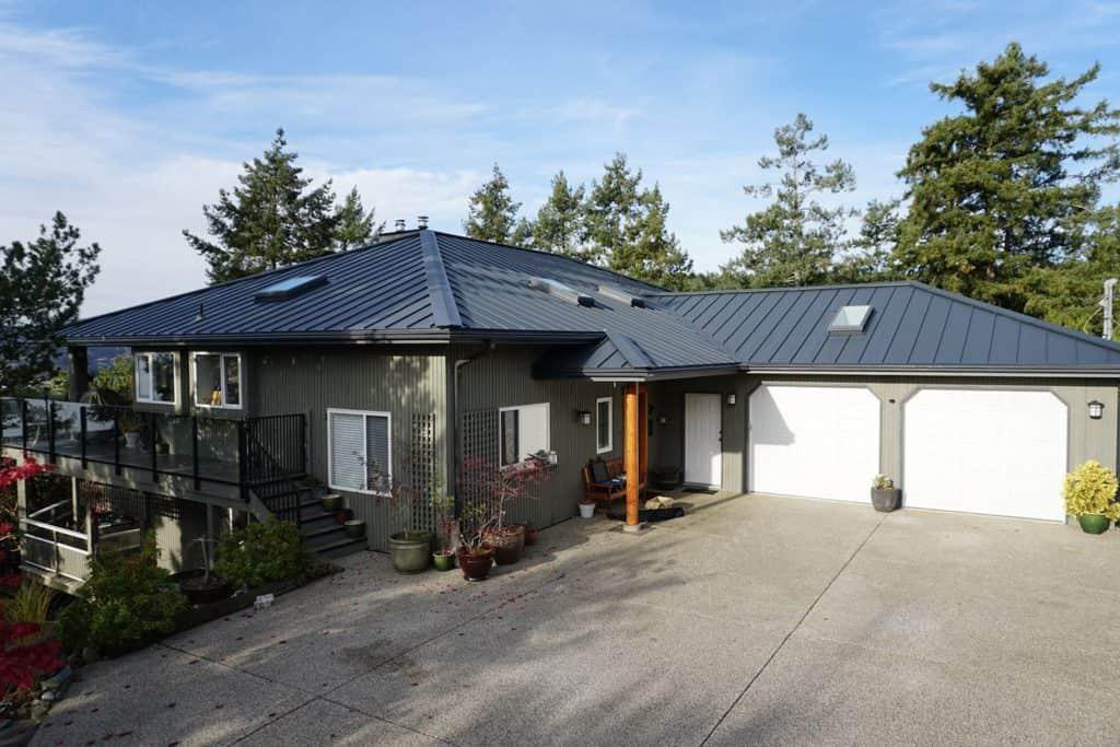 Interlock Standing Seam Roof Deep Charcoal Hip Valley