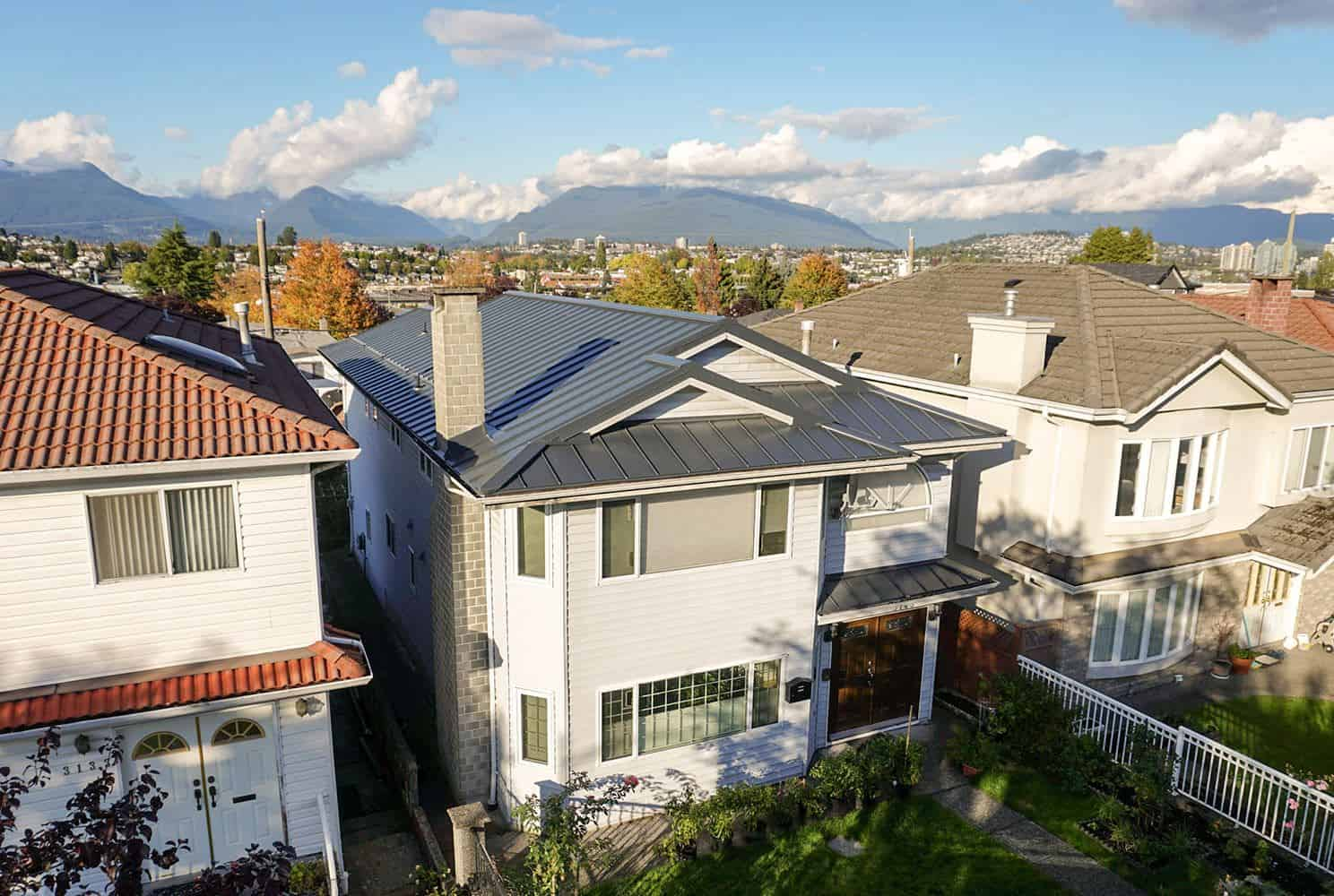 ... Interlock Standing Seam Roof Deep Charcoal Vancouver Special ...
